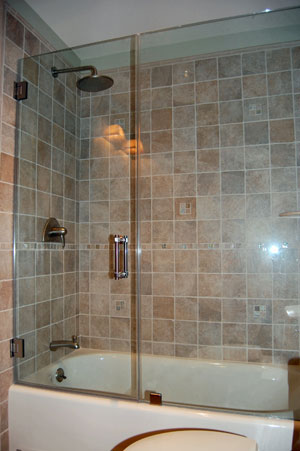 Bathtub with door for easy access - Williams, Douglas P.